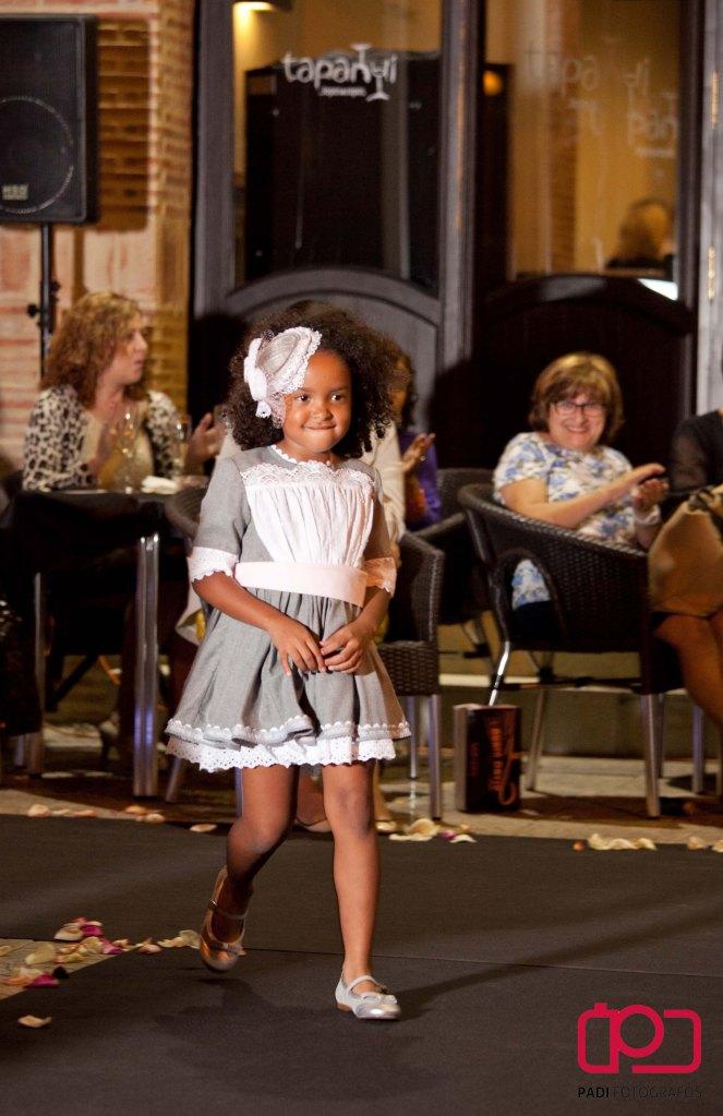 fotografo valencia-fotografo comunion valencia-fotografia comunion valencia-traje comunion-diseñador traje comunion-desfile rubio kids-foto padi alacuas-fotografia moda infantil_25