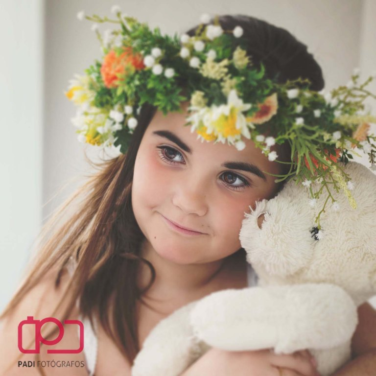 fotografo valencia-fotografo comunion-fotografia niños estudio-traje comunion niña-fotografia comunion exterior
