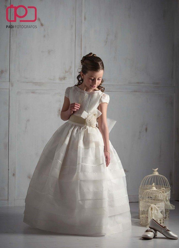 fotografo valencia-fotografo comunion-fotografia niños estudio-traje comunion niña-fotografia comunion exterior_1
