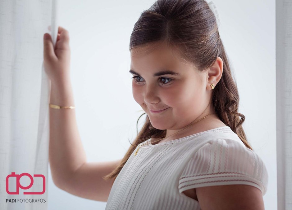 fotografo valencia-fotografo comunion-fotografia niños estudio-traje comunion niña-fotografia comunion exterior_3