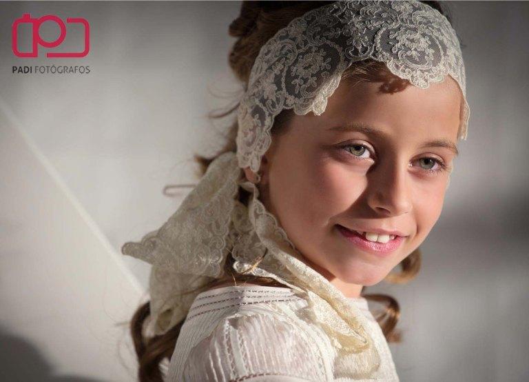 fotografo valencia-fotografo comunion-fotografia niños estudio-traje comunion niña-fotografia comunion exterior_4
