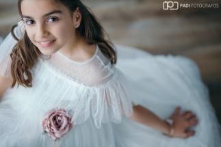 008-fotografia estudio comunion-fotografo valencia-reportaje estudio infantil-fotografo profesional valencia